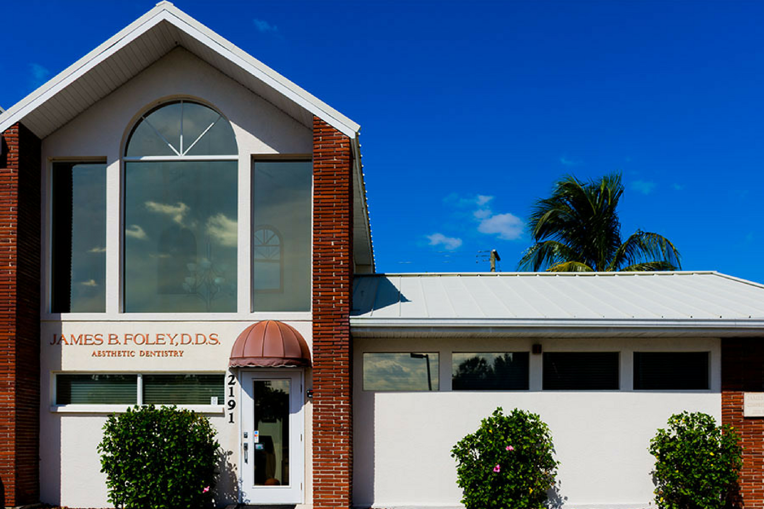Office Front | Dentist Sarasota, FL
